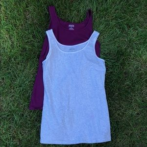 Duluth trading co sz med tank tops washed not worn
